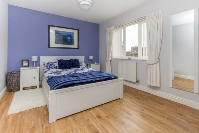 Bedroom of Charlbury Close, Wellingborough NN8