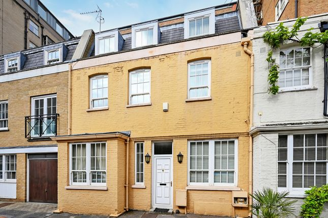 3 bed mews house for sale in William Mews, Knightsbridge SW1X