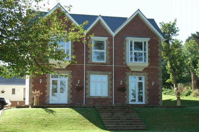 Thumbnail Flat to rent in Alum Bay Old Road, Totland Bay