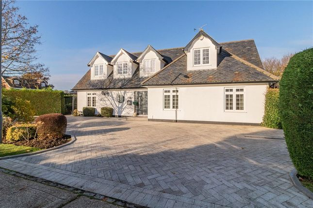 Thumbnail Detached house for sale in The Fairway, Burnham, Slough