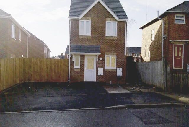 Thumbnail Detached house to rent in North Street, Walsall, West Midlands