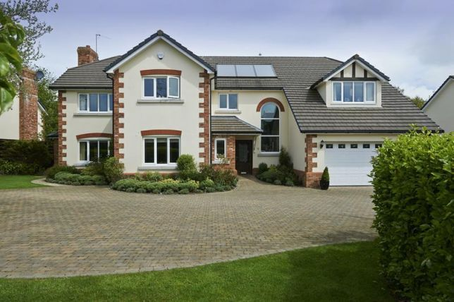 Thumbnail Property for sale in The Links, Peel