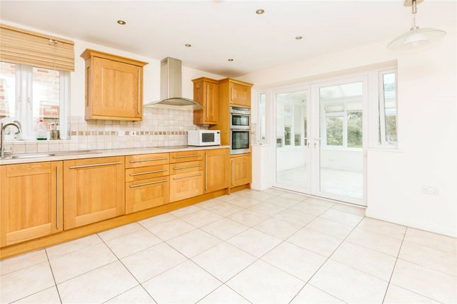 2 bed bungalow to rent in Shipley Road, Bristol BS9