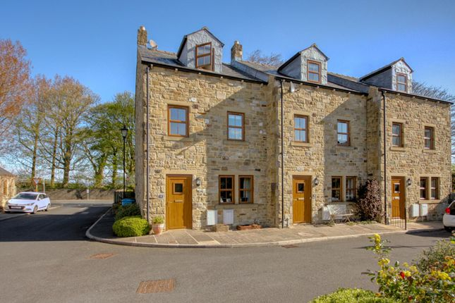 Thumbnail Town house for sale in Sycamore Court, Thornton-In-Craven