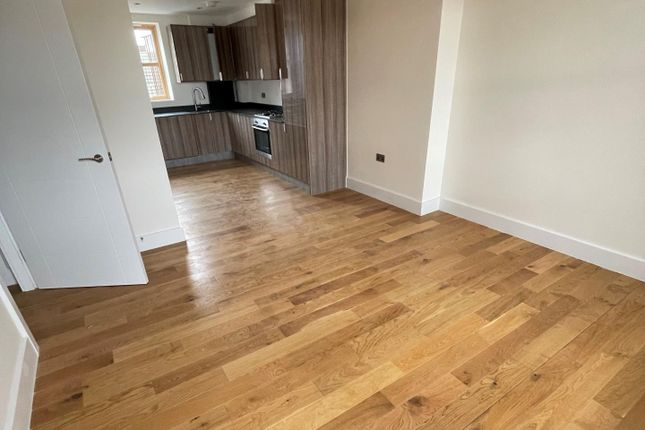 1 bed flat to rent in High Street South, Dunstable LU6