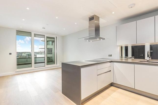 Thumbnail Flat for sale in Sophora House, Queenstown Rd, London