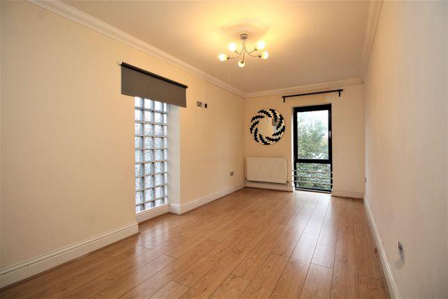 Master Bedroom of Rom View House, 9 Como Street, Romford RM7