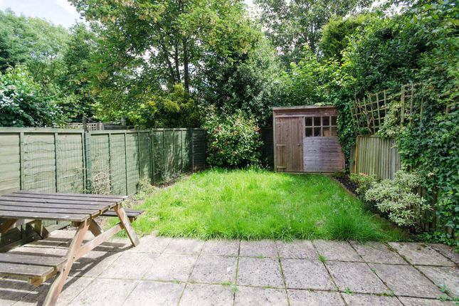 2 bed flat for sale in Woodlands Road, Harrow