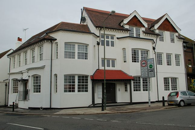 Thumbnail Flat to rent in High Street, Hampton