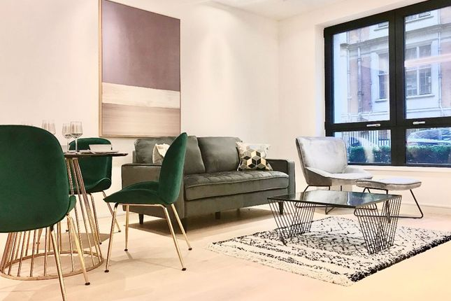 Flat to rent in Lincoln Square, 18 Portugal