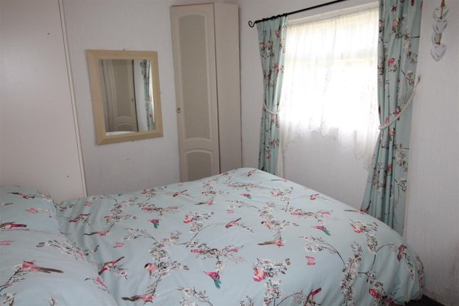 Bedrooms 1 of 112 Main Road, Humberston Fitties, Humberston, Grimsby, N.E. Lincs DN36