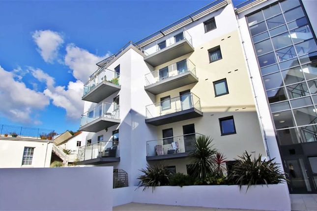 Thumbnail Flat to rent in Saviours Place, St Helier