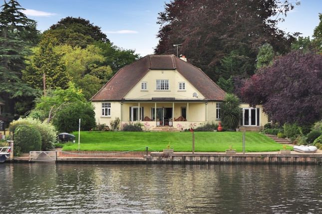 4 bed detached house for sale in Chertsey Lane, Staines