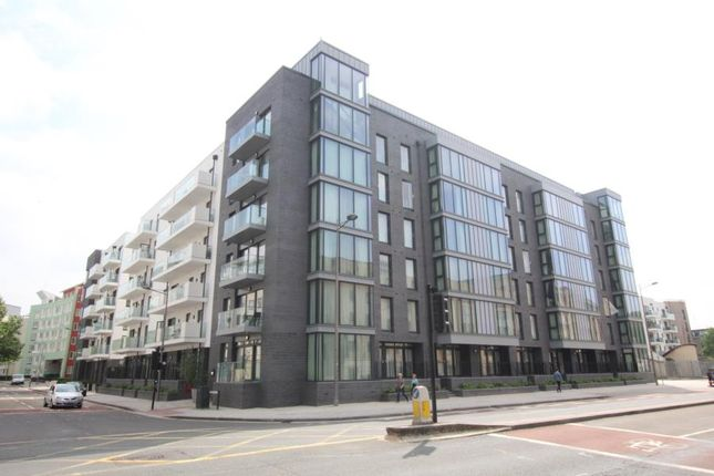 Thumbnail Flat to rent in Anchor Road, Bristol