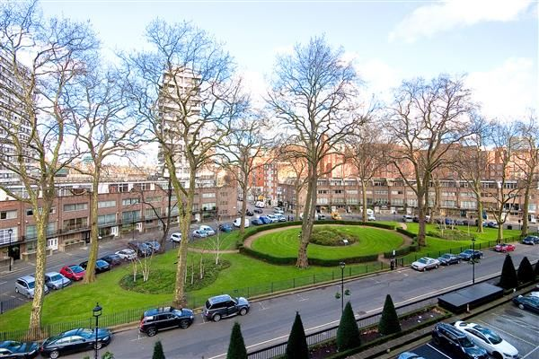 4 bed flat for sale in Raynham, Marble Arch