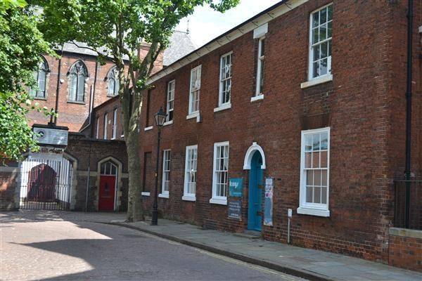 Office to let in St Johns Square, Wolverhampton