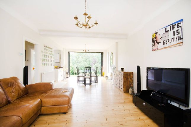 Thumbnail Property to rent in Chamberlain Way, Pinner