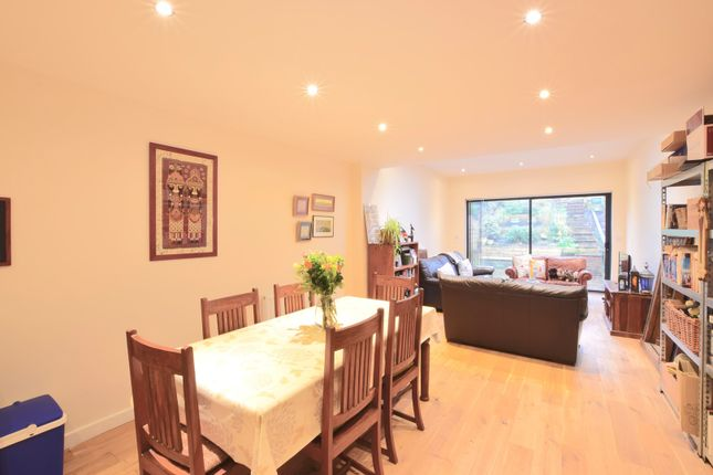 Thumbnail Terraced house for sale in Cherrywood Drive, Putney