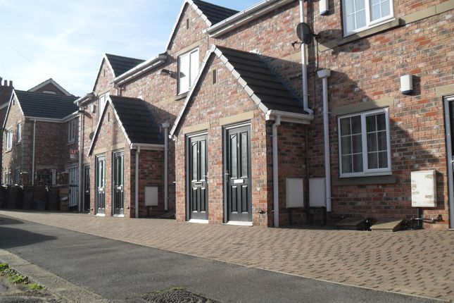 Thumbnail Flat to rent in Broom Crescent, Broom