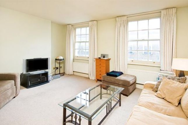 1 bed flat to rent in Beauchamp Place, Knightsbridge