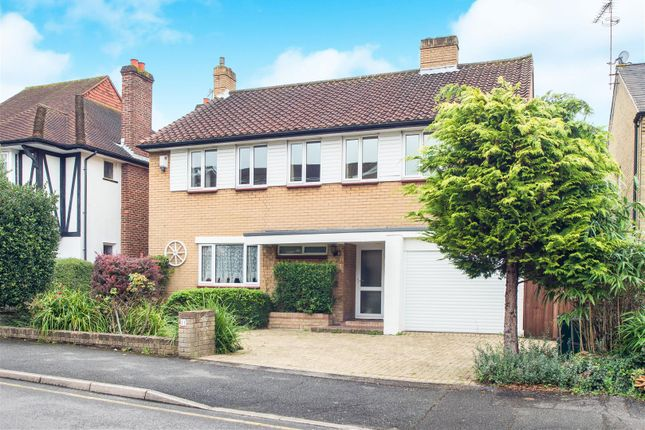 4 bed detached house for sale in Camborne Road, Sutton