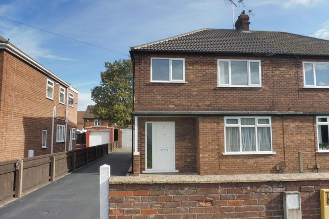 Thumbnail Flat to rent in Staindale Road, Scunthorpe