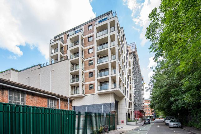 Thumbnail Flat to rent in Down Hall Road, Kingston, Kingston Upon Thames