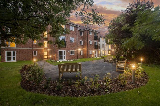 Thumbnail Flat to rent in Martongate, Bridlington
