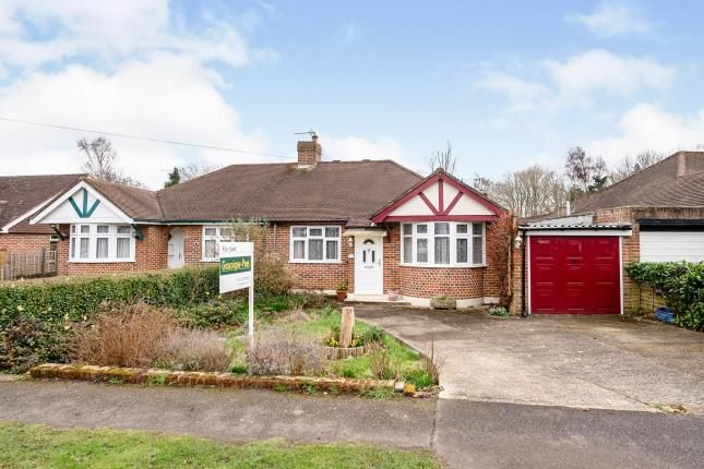 3 bed bungalow for sale in Fetcham, Leatherhead, Surrey KT22