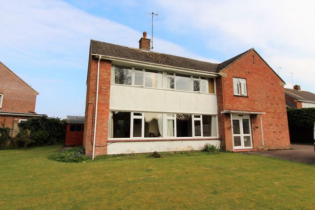 Thumbnail Detached house for sale in Broadleas Road, Devizes