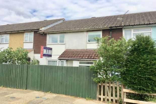 Thumbnail Property to rent in Speldhurst Close, Kingsnorth, Ashford