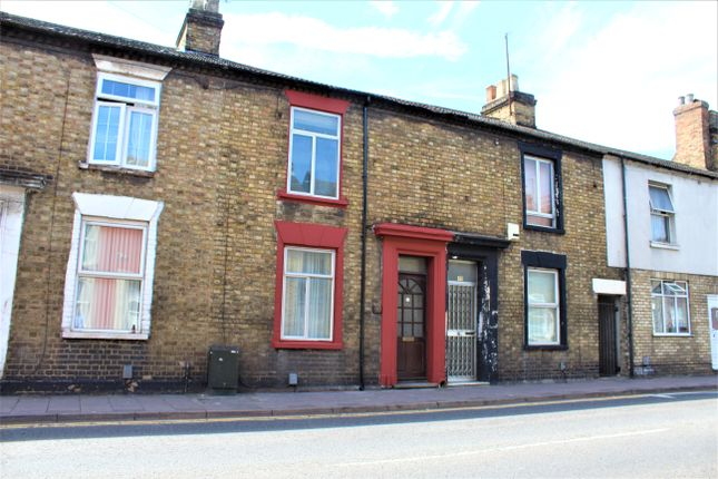 Thumbnail Terraced house to rent in Prebend Street, Bedford