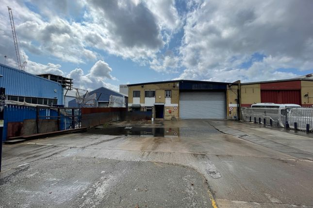 Thumbnail Warehouse to let in Verney Road, London