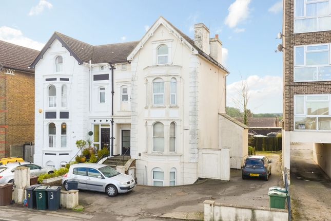 Thumbnail Flat for sale in Hythe Road, Willesborough, Ashford