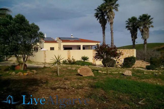 Excellent T3 Villa With Pool Und 9500m2 Plot, Vila Do Bispo
