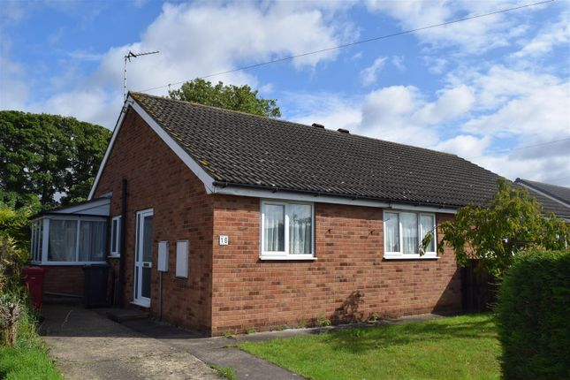 Thumbnail Semi-detached bungalow to rent in Walnut Drive, Scawby, Brigg