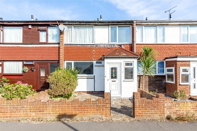 3 bed terraced house for sale in Somerset Gardens, Basildon SS13