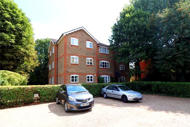 Thumbnail Flat for sale in Foxlands Close, Watford
