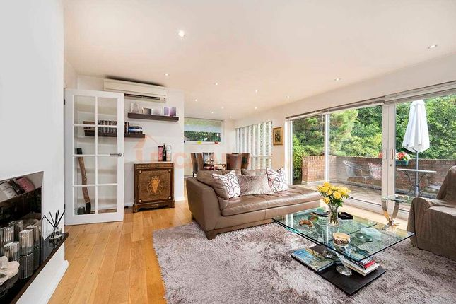 Thumbnail Bungalow for sale in Lawrence Street, London