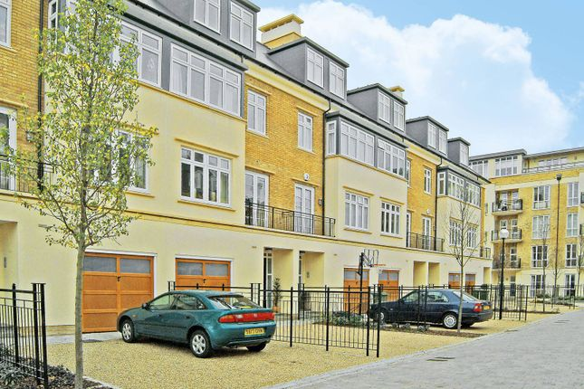 Thumbnail Property to rent in Kelsall Mews, Kew