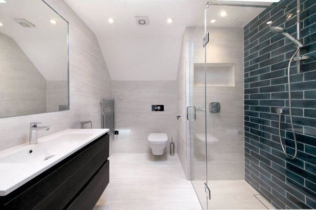 Bathroom of Woodlands Glade, Beaconsfield, Bucks HP9