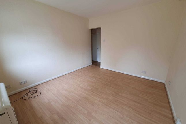 1 bed flat to rent in Aire House, Dewsbury WF11