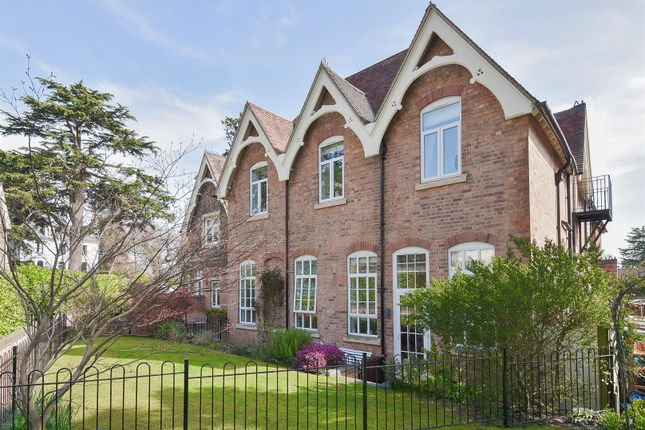 Thumbnail Semi-detached house for sale in Avenue Road, Malvern