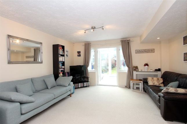 Thumbnail Property for sale in Lapwing Way, Abbots Langley