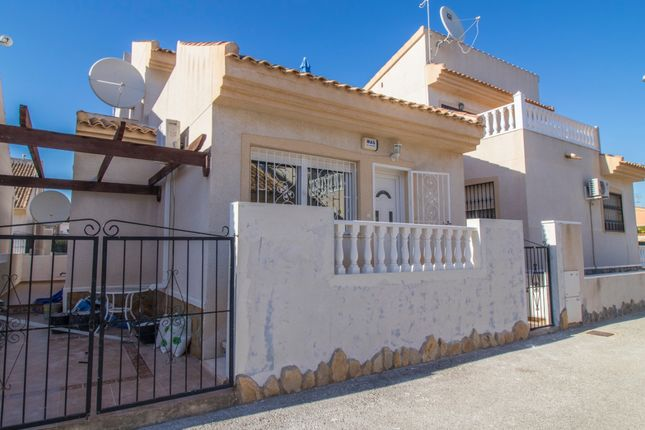 Villa for sale in Calle Pirineos, 2, 03170 Cdad. Quesada, Alicante, Spain