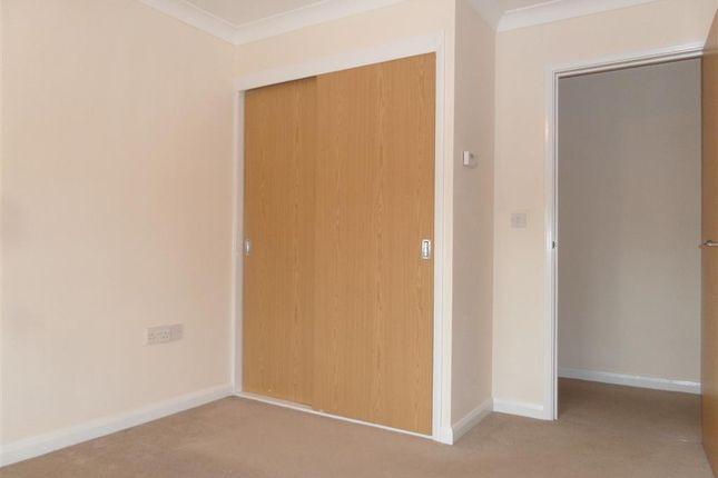 Thumbnail Flat to rent in Eastleigh Gardens, Eastleigh Road, Taunton