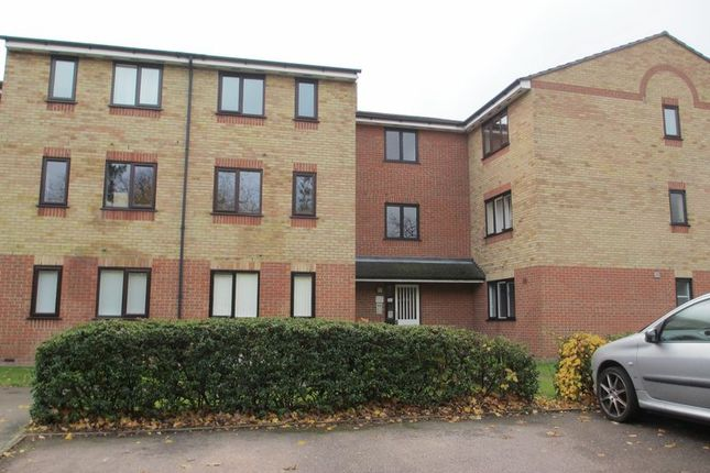 Thumbnail Flat to rent in Prestatyn Close, Old Town, Stevenage