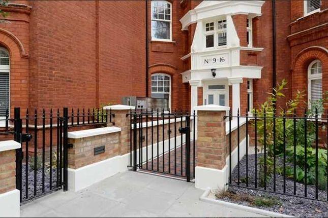 Thumbnail Flat to rent in King Street, Ravenscourt Park, London