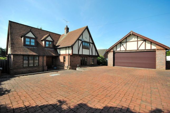 Thumbnail Detached house to rent in Stansted Road, Bishops Stortford, Hertfordshire