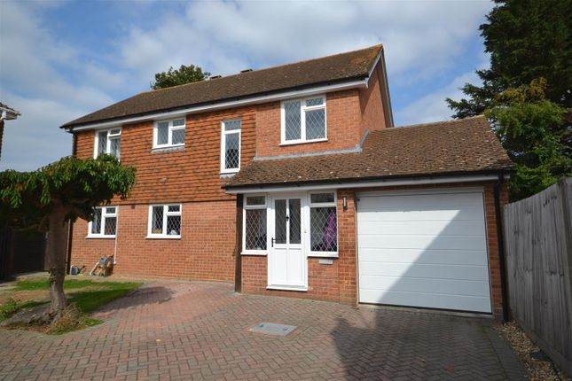 Detached house in  Woodside Gardens  Chineham  Basingstoke R Reading